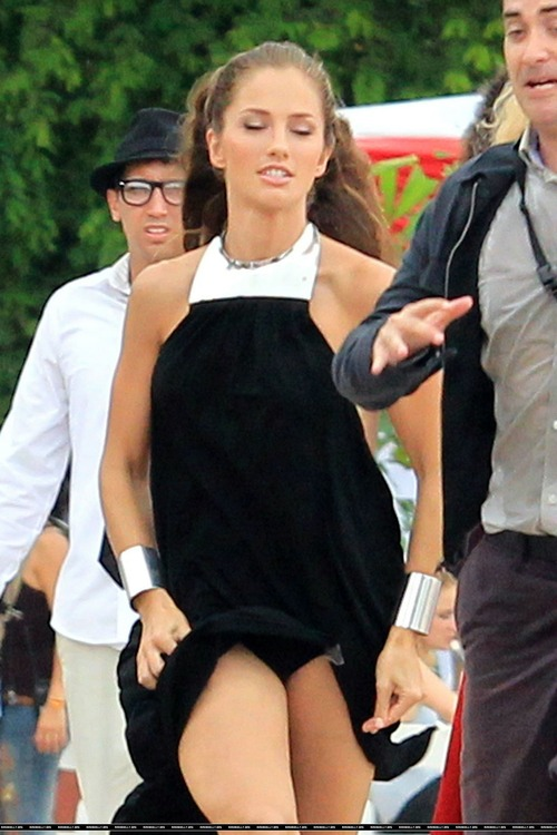 Minka Kelly On Set of Charlies Angels (1)