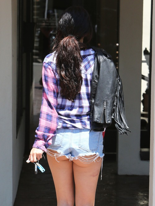 Selena Gomez O&A in LA e06