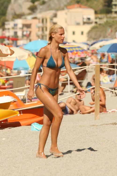 Michelle Hunziker Bikini Best shoot (3)