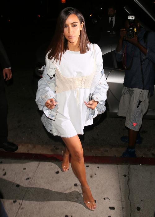 Kim Kardashian Seen at Kylie's Birthday party (6)