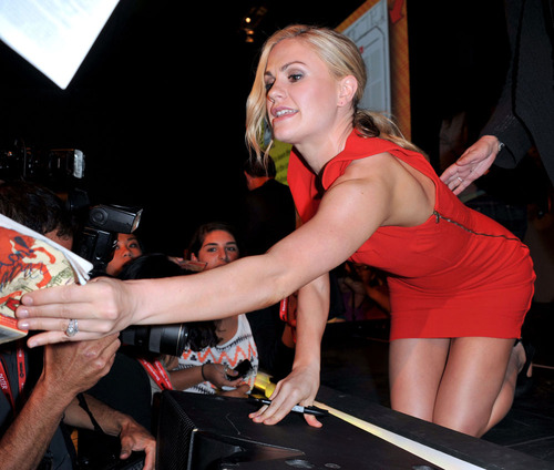 Anna Paquin - At The Comic Con In San Diego (12)