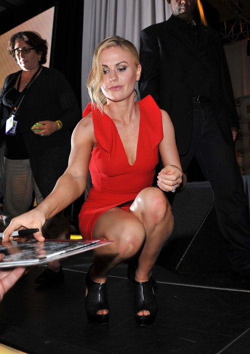 Anna Paquin - At The Comic Con In San Diego (17)