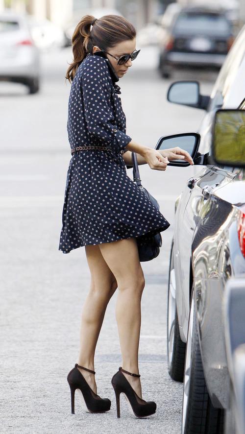 Eva Longoria - windy upskirt in Beverly Hills (5)