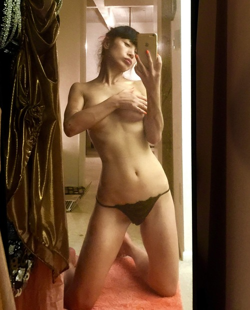 Bai Ling Naked Selfies Private Location (34)