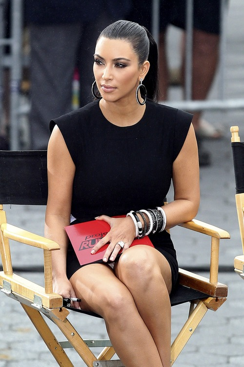 Kim Kardashian – Upskirt Project Runway in New York (6)