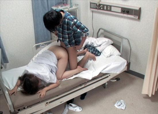 【病院盗撮】欲求不満爆発!隠れて患者とセックスしまくるカワイイ看護師(ナース)