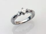 アイデクト・フルオーダーのエンゲージリング(婚約指輪)