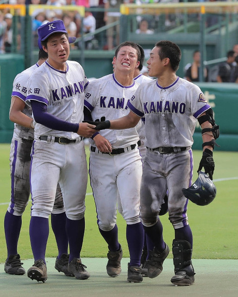 【高校野球】金足農・吉田 進路は明言せず「悔しいままで終われない、野球を続けようと思ってる(どこでやるかは)全く考えていない」