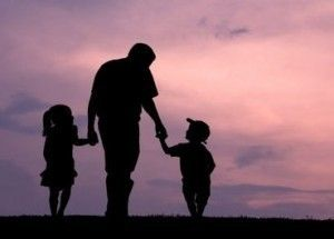 Fathers-Day-Dad-walking-with-kids-silhouette-300x215