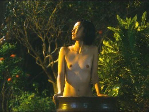 【乳首あり】国民的女優・満島ひかりのぐうシコおっぱいクッソエロくて草wwwwwwwww(画像あり)