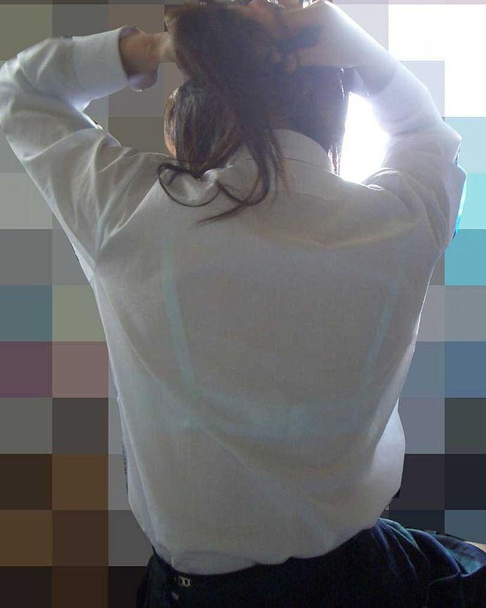 【画像】 最近の女子学生、無頓着すぎてブラジャー丸見えwwwwwwwww(※画像あり) 表紙