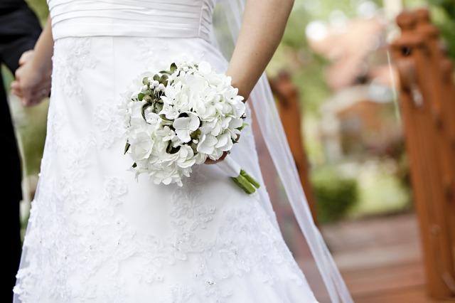 bride-663204_1920