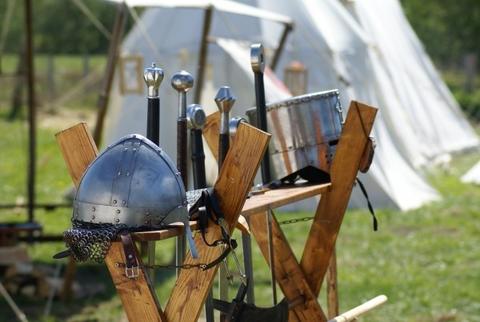 knight-armor-helm-wafffen-sword-ritterruestung