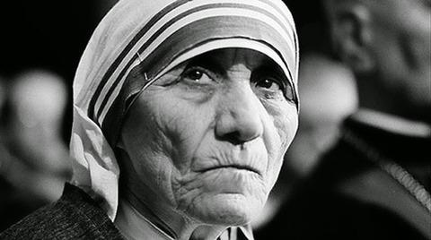 canonizzazione-madre-teresa-santa-510