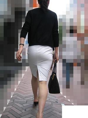 素人OLお姉さんのスーツ・タイトスカート画像ください