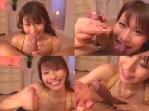 笑顔で手コキする女性0010
