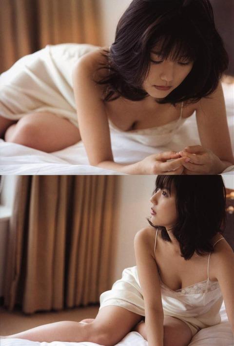 真野恵里菜059