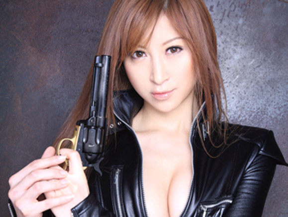 女スパイ・愛咲れいらを捕獲して被虐の3P肉便器レイプ!! xvideos