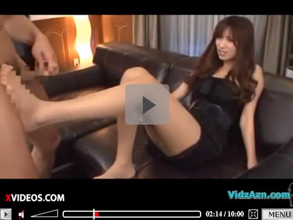 【動画】超美脚な痴女お姉さんが足コキしてくれたので手マンでイカせてあげました。