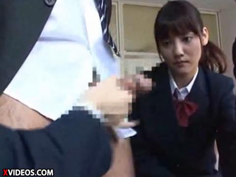 【動画】佐々木希似の清楚系美少女JKが時間の止まった教室で手コキwwww xvideos