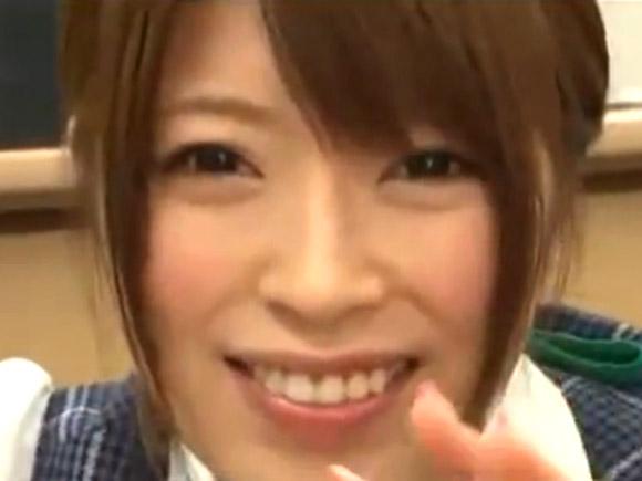 【動画】芸能人並みに可愛い美人受付嬢の手コキ接待!! xvideos
