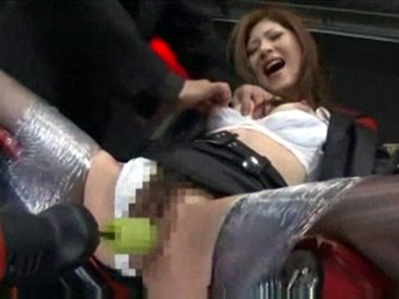 【動画】女捜査官を強制開脚させて電マ・電動バイブ責め調教動画