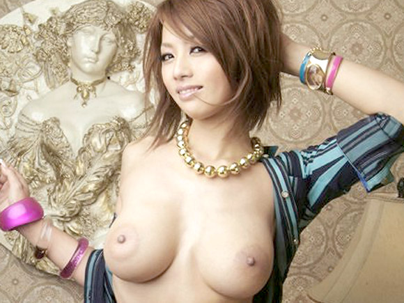 【画像】乳輪のデカい女のエロさが異常なんだがwwwww