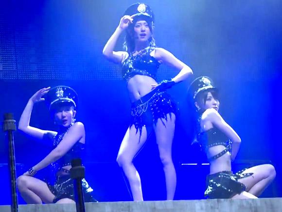 ℃-uteのポールダンス動画