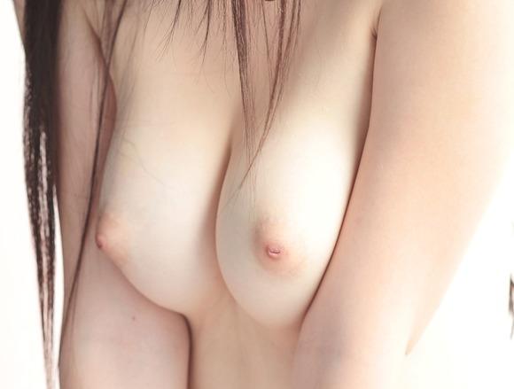 超綺麗な乳首の画像006