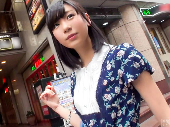 乃木坂系の清楚なワンピースが可愛い20歳女子大生をナンパしてエッチ