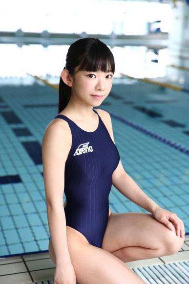 長澤茉里奈の水着画像008