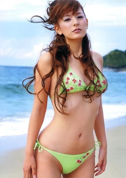 美女オンザビーチ027