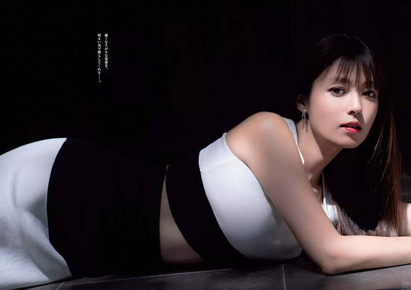 201110深田恭子003
