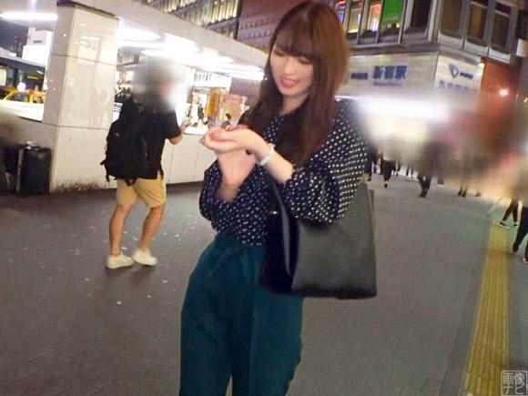 新宿でスタイル抜群の素人さんをナンパ