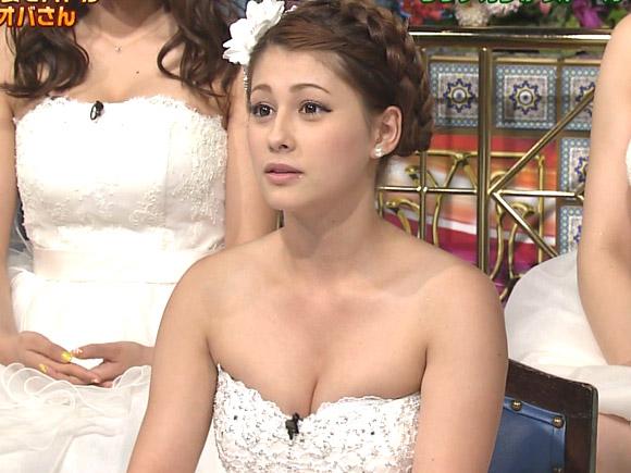 【放送事故】ダレノガレ明美 テレビ番組で乳首ポロリ…(※拡大画像あり)