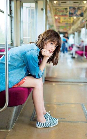松本愛のグラビア画像036