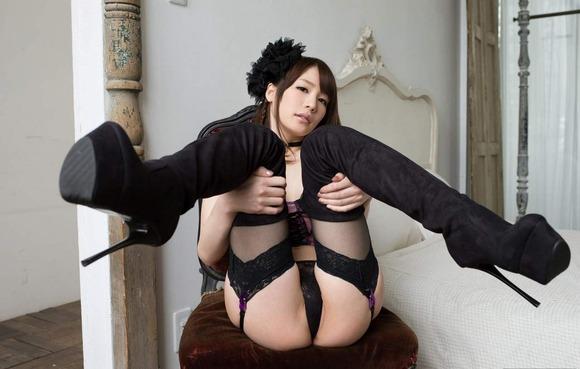 鈴村あいりのヌード画像013