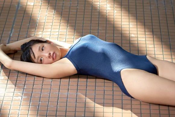 椎名ひかりのスク水グラビア画像006