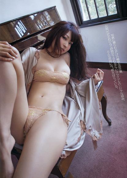 仁藤みさきのエロ画像006