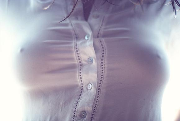 乳首透け画像016