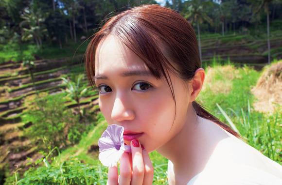 200718尾崎由香のグラビア画像010
