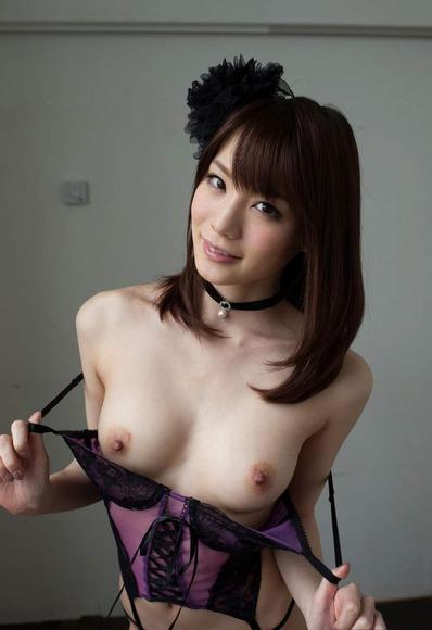 鈴村あいりのヌード画像017