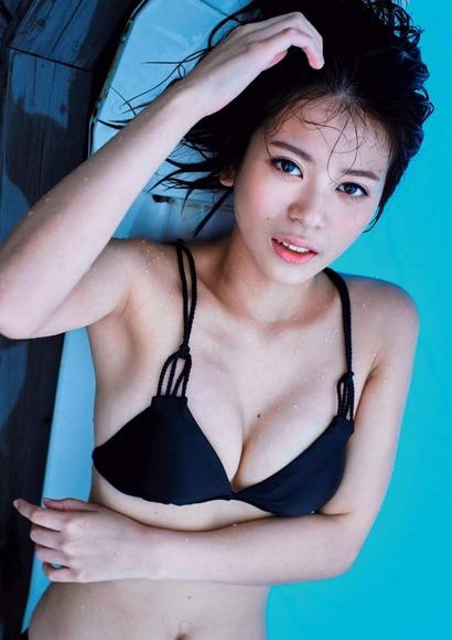 吉﨑綾の画像004