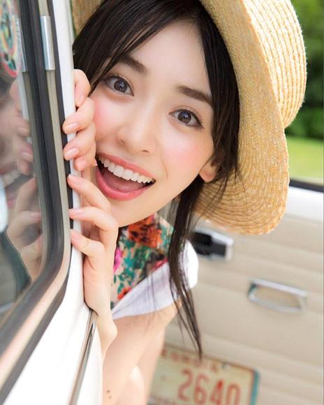 161210泉里香のエロ画像006