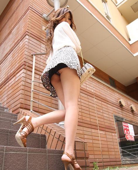 panty in skirt019
