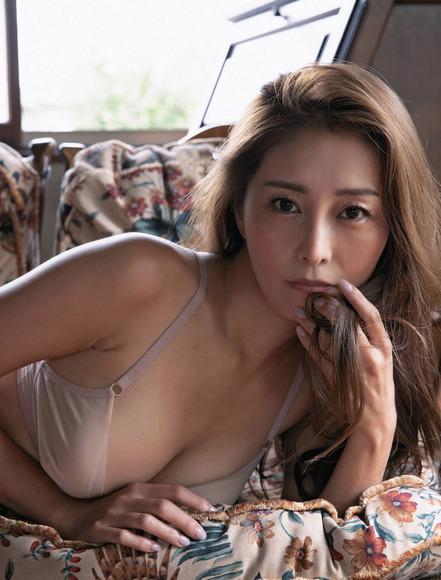 201210熊切あさ美の画像009