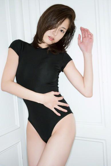 杉本有美 史上最高に過激なグラビア画像007