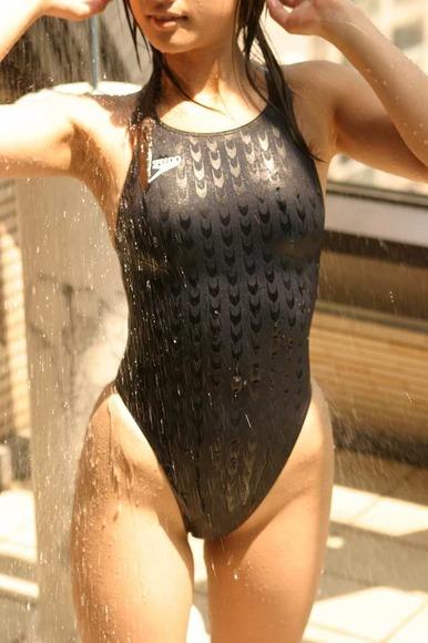 競泳水着の股間画像027
