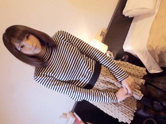 オシャレで可愛い小柄な21歳の女の子がラブホでセックス画像