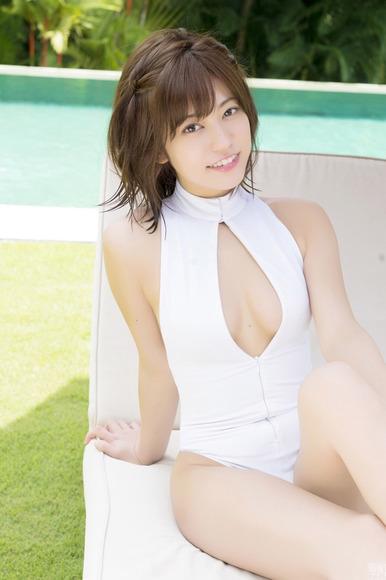 18072大澤玲美のゴージャスなエロ水着画像004